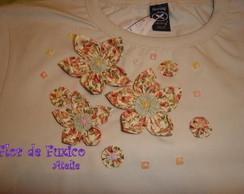 camiseta flor de fuxico VENDIDA