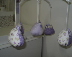 M�bile de coruja lil�s