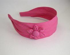 Tiara em tecido com flor