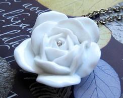 Colar Flor Branca - pt