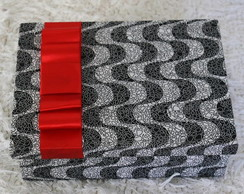 Caixa em MDF, forrada com tecido