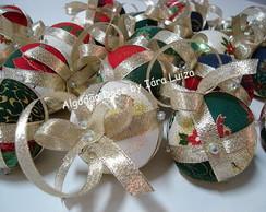 Bolas de Natal em tecido -  patchwork