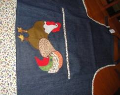 Avental em jeans reciclado com aplique