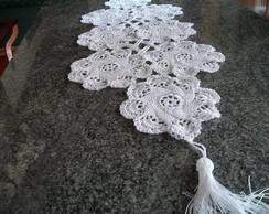 Caminho de mesa em linha de seda