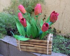 arranjo de mesa tulipas vermelhas