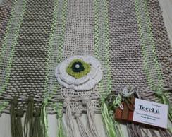 Trilho de mesa com apliques em croch�