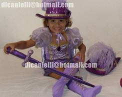 Fantasia-Barbie as 3 mosqueteiras lilas