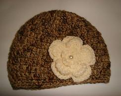 Gorro crochet e flor