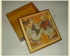 Caixa com decoupage de mapas antigos