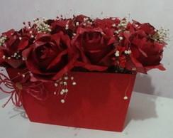 vaso de flores,rosas feitas em papel