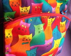 N�cessaire po� gatinhos coloridos