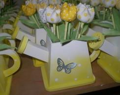 Regador em mdf com tulipas