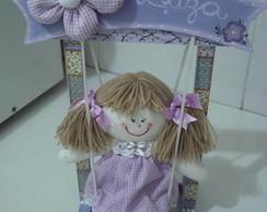 Balancinho em mdf com boneca de pano