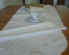 Centro de mesa em cambri de linho