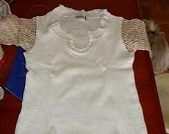 Camiseta c/ Aplica��o Croch�