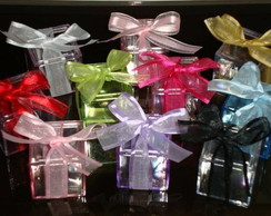 Caixa acr�lica decorada com fita organza