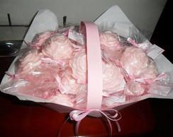 Cesta com rosas de sabonete
