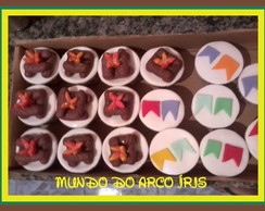 CUP CAKES DECORADOS TEMA JUNINA
