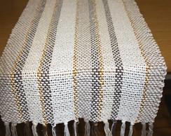 Trilho de mesa com fio dourado