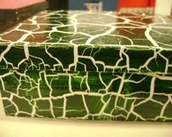 Caixa craquelada branca e verde
