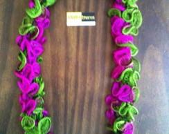Colar em Crochet - Babados - verde/pink