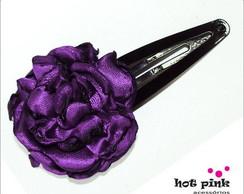 Presilha C�cile com flor de cetim roxa