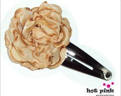 Presilha C�cile com flor de cetim nude
