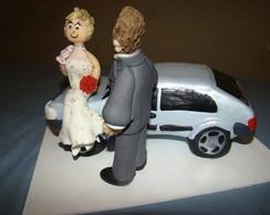 casal topo de bolo com carro