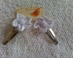 pares de presilhas tictac com flor