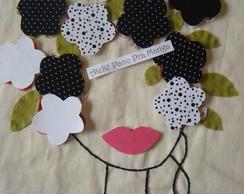 Aplique Cabe�a de flores em P & B