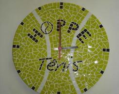 Rel�gio de mosaico com logomarca