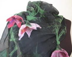 """Echarpe """"VERDE ROSA""""com flores feltradas"""