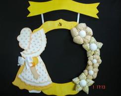 Guirlanda Menina de Amarelo