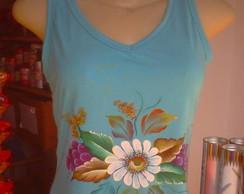 Camiseta Com Flores Pintada a m�o
