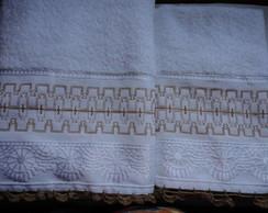 jogo de toalhas bordadas em vagonite