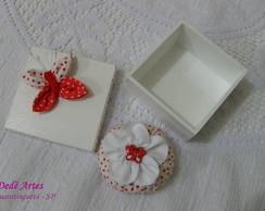 Conjunto caixa e sach� vermelho e branco