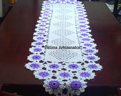 Caminho de croch� em linha de seda .
