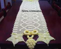 Caminho em croch� em linha de seda !
