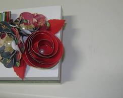 caixa em mdf com flores em papel scrap