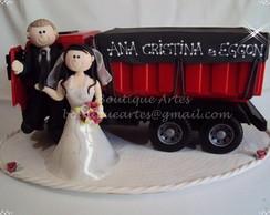 Topo de bolo noivinhos com caminh�o