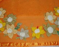 Toalha de flores de fuxico