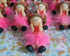 Menina pink sentada na base acr�lica