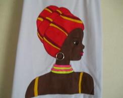 CAMISETA COM  AFRICANA