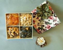Caixa com Frutas Secas