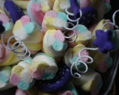 Buqu� de marshmallows roxo