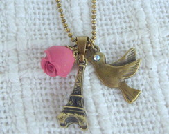 Torre Eiffel, rosa e p�ssaro