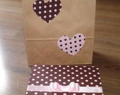 caixa em tecido -chocolate com morango-