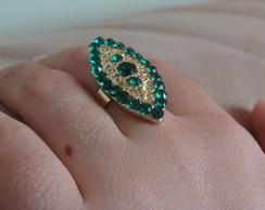 Anel banhado a ouro com cristais verde
