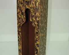 Caixa vinho com pintura dourada e preta