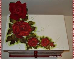 Gaveteiro Rosas Vermelhas